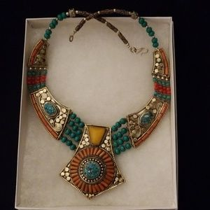 Jewelry - Stunning Beaded Necklace
